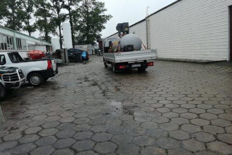Dostarczanie pojemnika zciekłym azotem